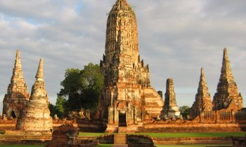 The ruins of Wat Chaiwatthanaram